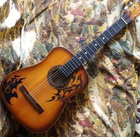 Как украсить гитару своими руками 124